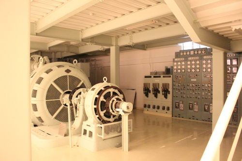 観光:富山の美術館 下山芸術の森発電所美術館