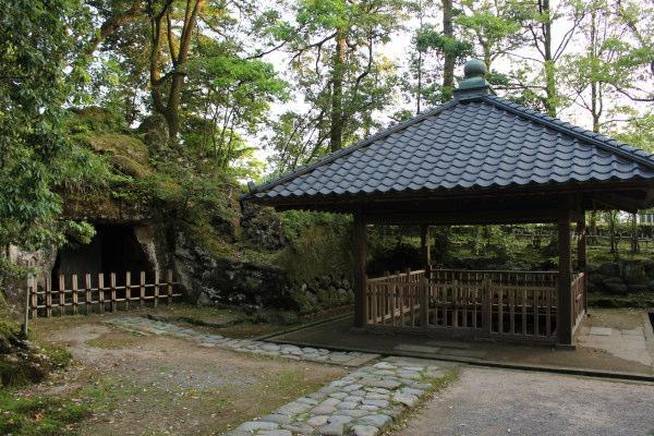 金沢兼六園に行くなら隣接の金澤神社もお忘れなく