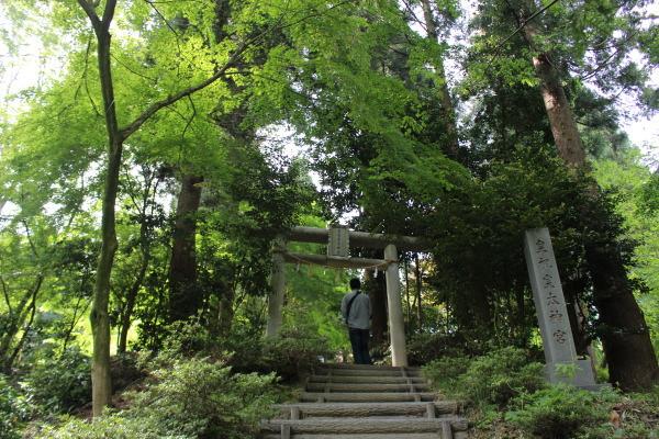 富山のパワースポット 御皇城山(呉羽)皇祖皇太神宮:鳥居画像その2