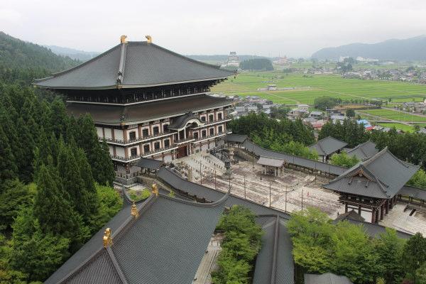 本堂上から画像:福井観光するなら越前大仏は必須!北陸屈指の珍スポット?