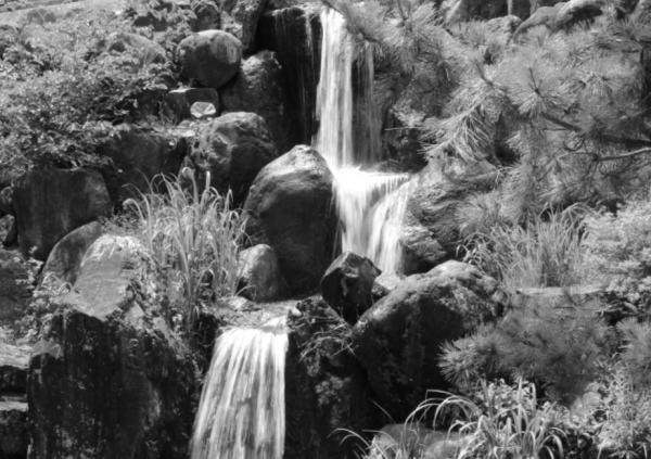 滝の写真:里山でのんびり庄川美術館&となみ野美術展に行ってきた