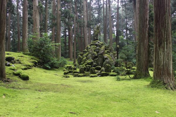お墓:福井の癒し系観光スポット見つけた!北陸の苔寺こと平泉寺白山神社