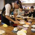 京都の出張寿司職人M-HERO広瀬さんのオーダー手巻き寿司を楽しむ