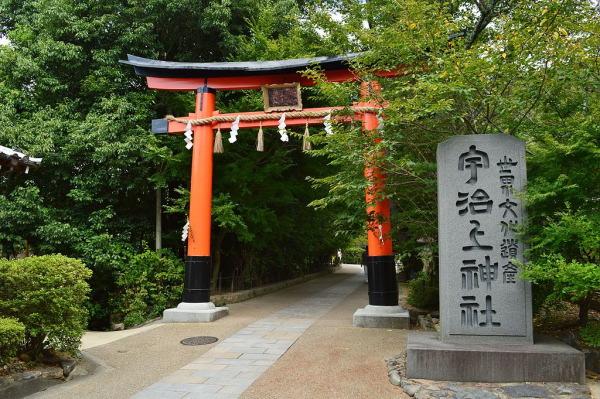 宇治上神社鳥居:京都世界遺産の宇治上神社