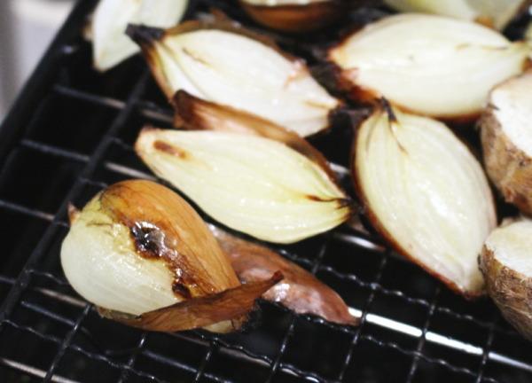小玉ねぎグリル焼き:まるごと皮がむける!小玉ねぎ(ペコロス)簡単極上レシピ
