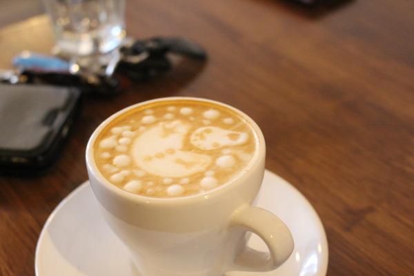 カフェラテ:富山カフェ:日本代表バリスタ所属のセントベリーコーヒーへ