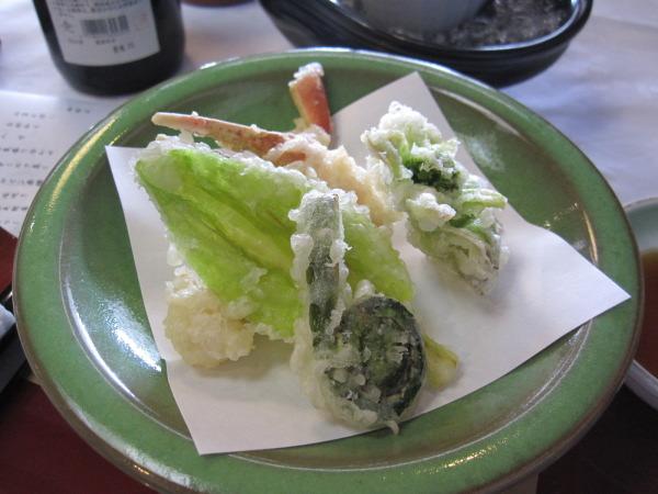 山菜天ぷら:富山会席:合掌造り五万石千里山荘さんで春コースを堪能