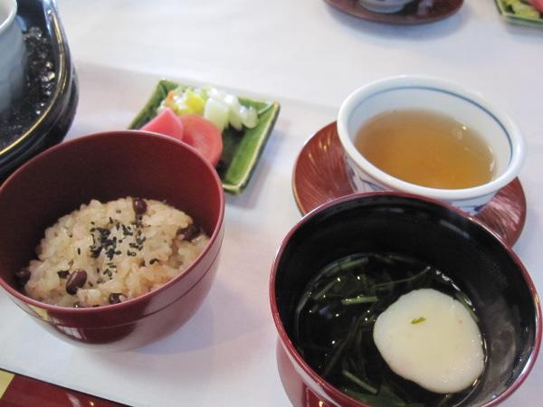 赤飯:富山会席:合掌造り五万石千里山荘さんで春コースを堪能
