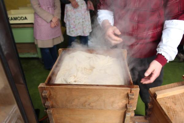 蒸し大豆:南砺市みのふぁーむさんで有機無農薬大豆で味噌作りを体験!