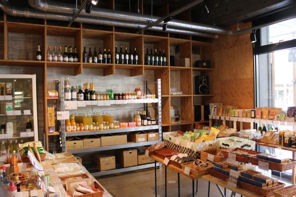 店内2:富山ランチ:魚津のオサレカフェ藤吉さんで高品質食材を楽しむ