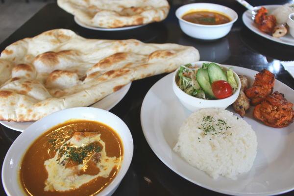 ランチセットA:富山カレー:インド料理ガンディでマイルドカレーランチ(高岡市佐野)