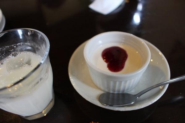 デザート:富山カレー:インド料理ガンディでマイルドカレーランチ(高岡市佐野)