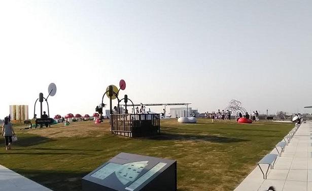 屋上オノマトペ公演:子どもが遊べる美術館!富山県立美術館に行ってきました。