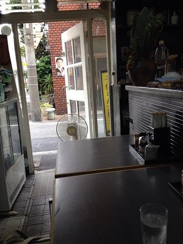 店内:大阪西成の高評価中華料理店「大阪飯店」に行ってきた