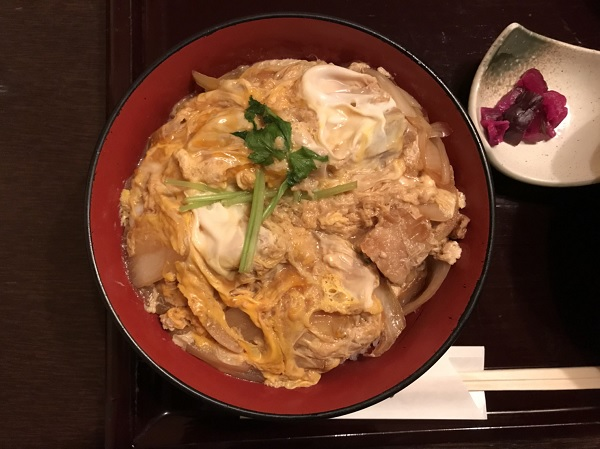 親子丼アップ 富山駅前ランチ日記:掘りごたつ席個室がラクなけやき亭さん