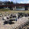 噴泉池撮影 デザイン屋の温泉日記:下呂温泉の野ざらし噴泉池で源泉かけ流し体験