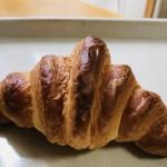 【驚】1時間並んで買うのが常識。飛騨高山トランブルーのパンを頂く