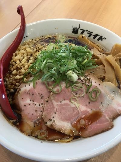 富山駅前で富山ブラックラーメンなら麺バルプライドさん(パティオさくら内)