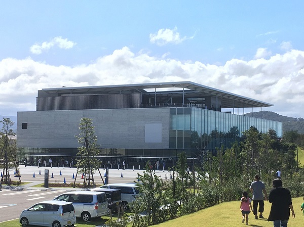 上越市立水族博物館うみがたり外観