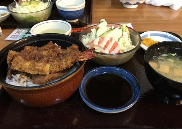 ミックスカツ丼 福井ランチ:老舗ソースカツ丼の名店「ヨーロッパ軒総本店」へ!!