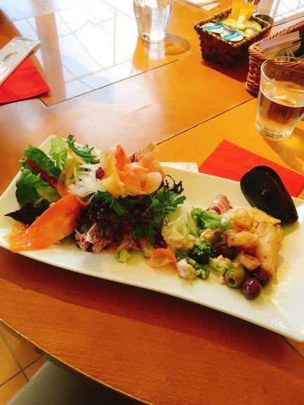 サラダバーどっさり 金沢ランチ:サラダ食べ放題が嬉しい!イタリアンカフェぶどうの木