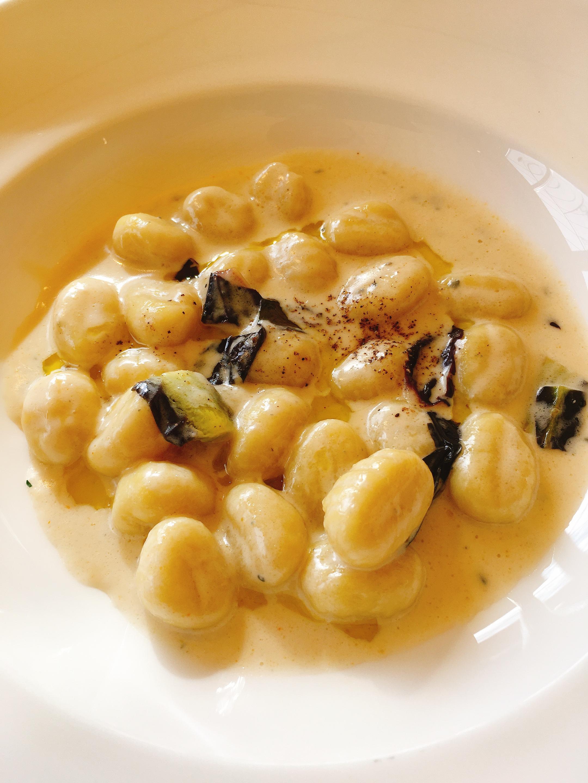 ゴルゴンゾーラニョッキ 金沢ランチ:サラダ食べ放題が嬉しい!イタリアンカフェぶどうの木