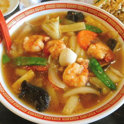加賀温泉郷の人気中華アサヒ軒のえびうま煮そば