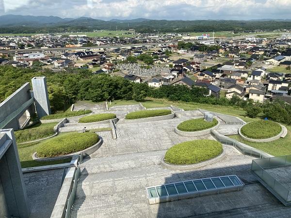 安藤忠雄建築の西田幾多郎記念哲学館(石川県かほく市)へ