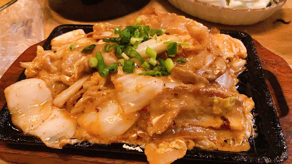 富山居酒屋日記:千石町猫八さんで金泉ラーメンを食す 豚肉キムチ