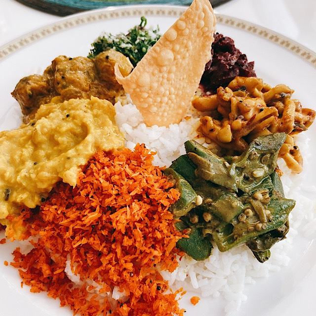 スリランカ料理 クルバドゥ(高岡)さんで激辛チキンカレー