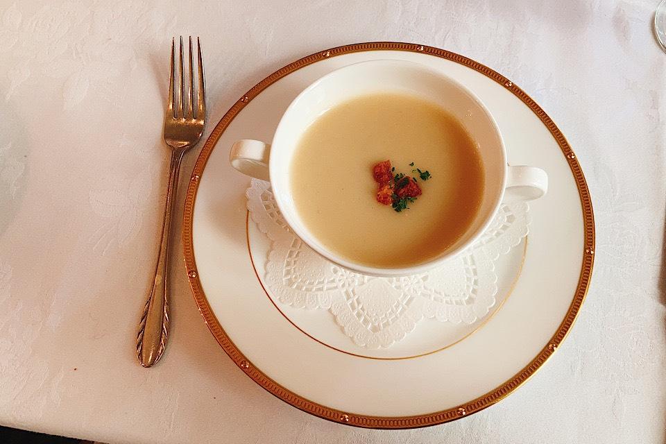 津 東洋軒 本店 ブラックカレー スープ