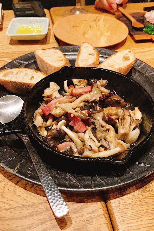 井波におしゃれデートレストラン出現!燻製カフェバーnomi アヒージョ